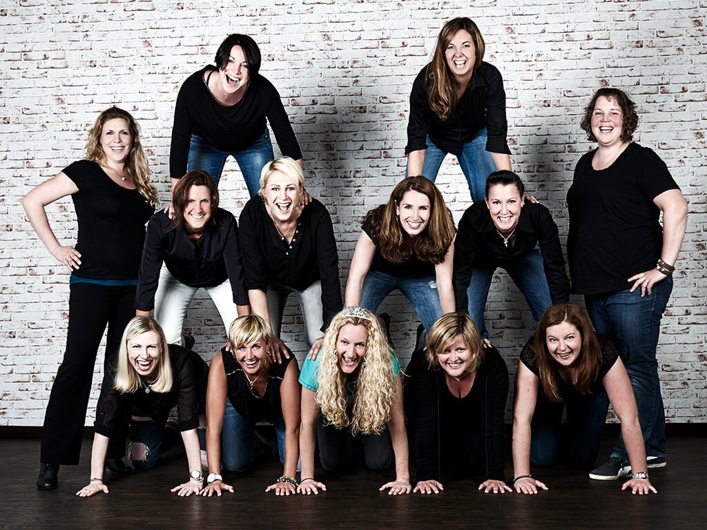 Gruppenfoto Braut Freundinnen Fotostudio Wuppertal