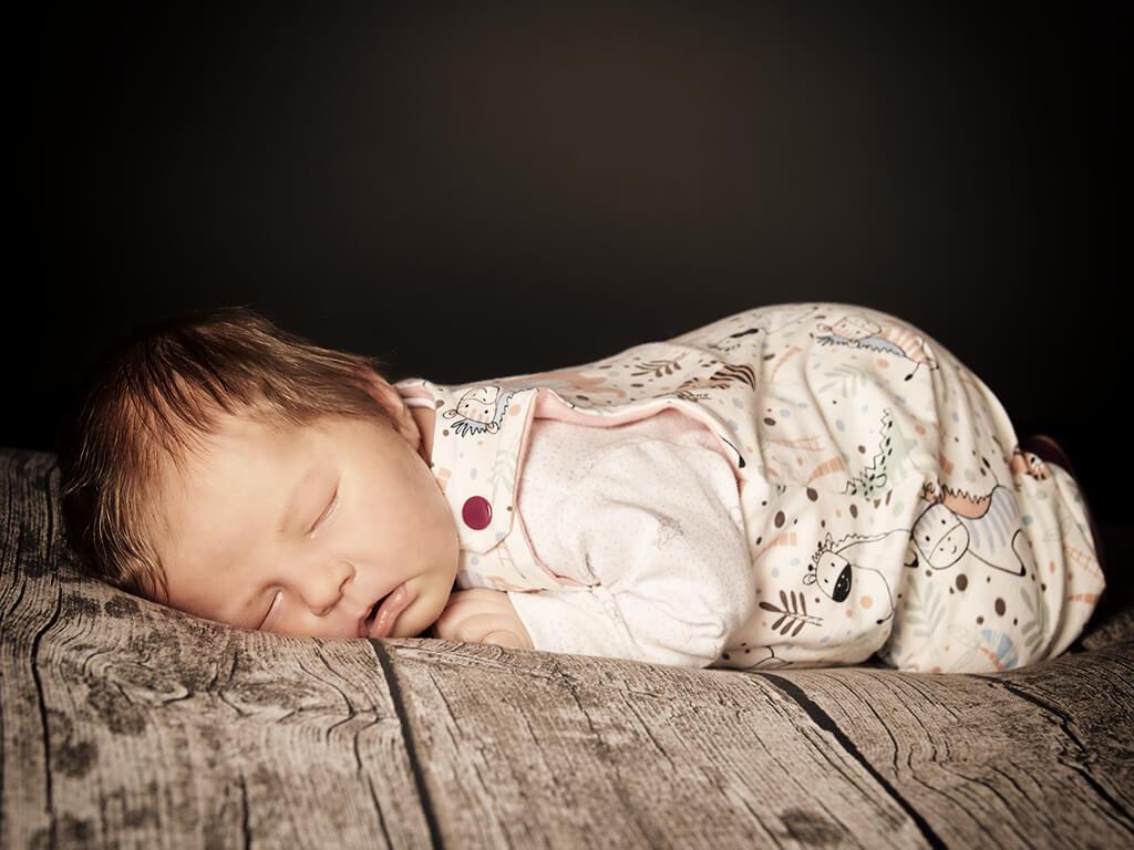 Newborn schlafend Fotostudio Hosenfeldt Wuppertal